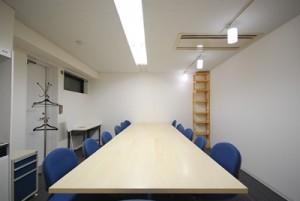 MT-ROOM(中会議室)